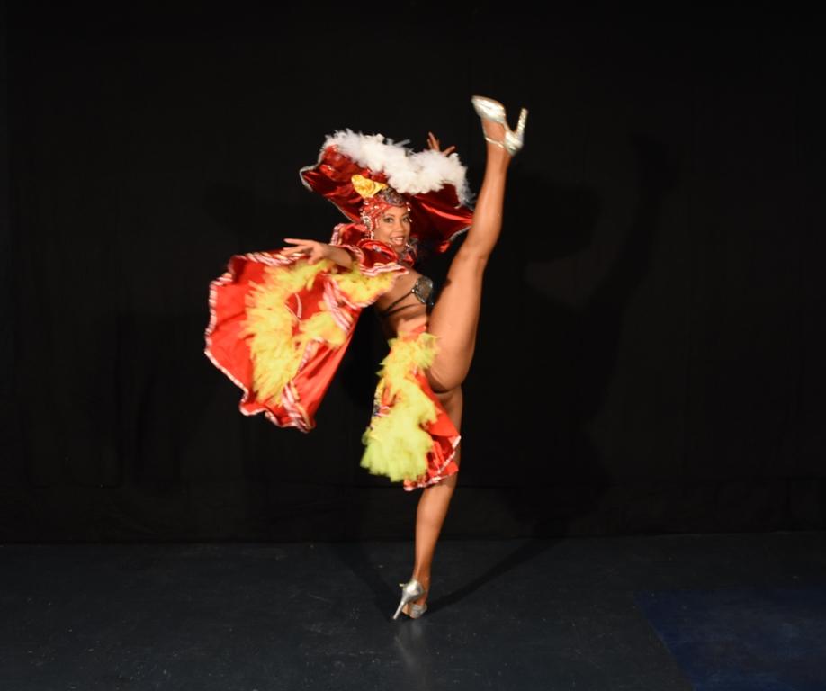 danseuse cabaret latino paris