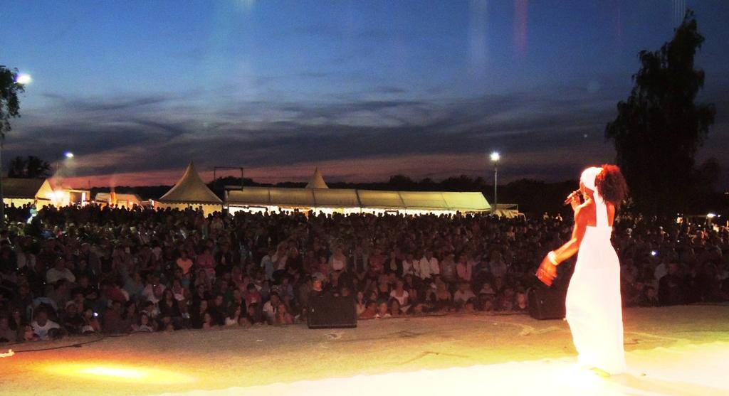 chanteuse afro bresilienne pour grand evenement