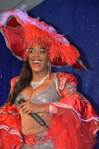 chanteuse cabaret latino paris