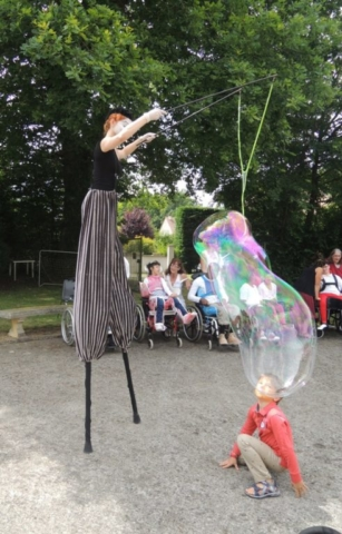 spectacle de rue bulles géantes