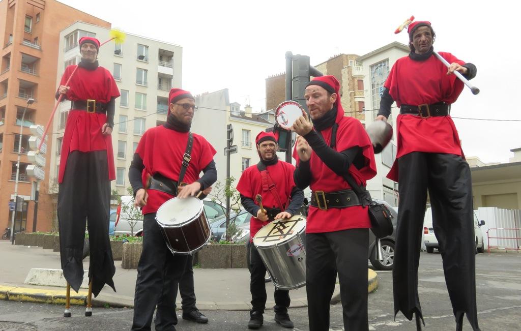 spectacle de rue sur le thème de noël