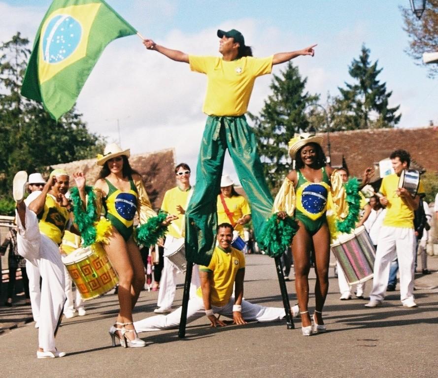 spectacle de rue sur le thème des jeux olympiques