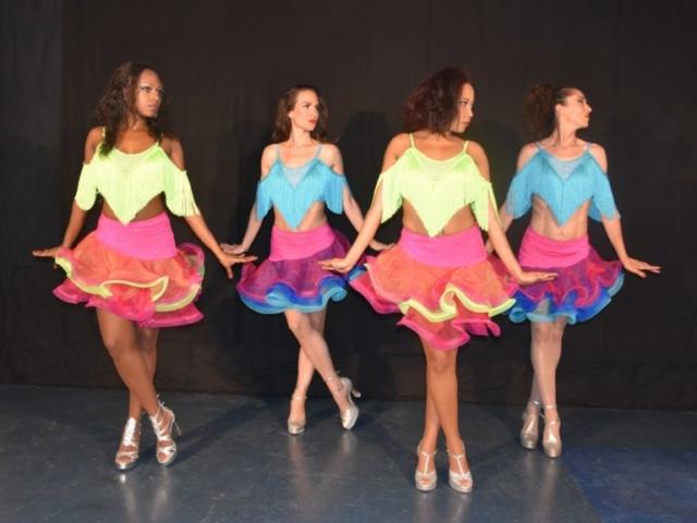 danseuses cabaret latino paris