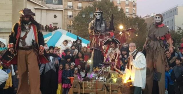 spectacle de rue pirates sur le thème d'halloween